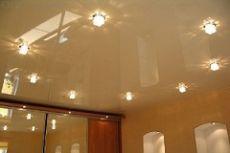Какое полотно лучше для натяжного потолка?