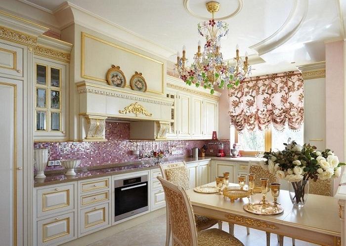 Лепнина в интерьере квартиры на кухне фото