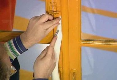Как утеплить деревянные окна на зиму: способы утепления