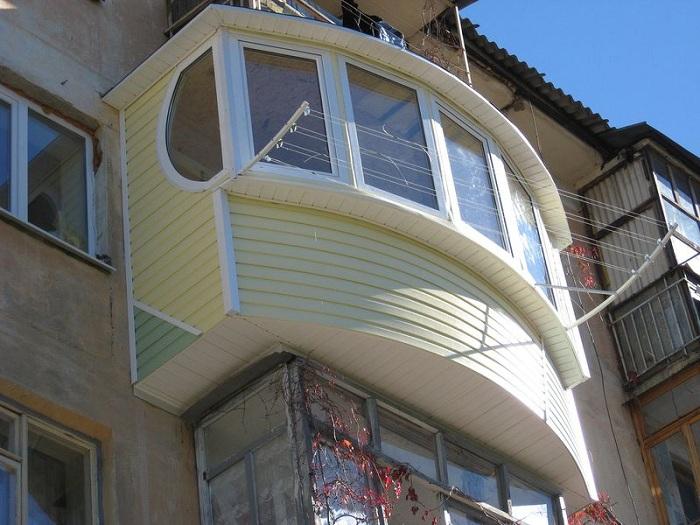 Обшивка балкона сайдингом: пошаговая инструкция
