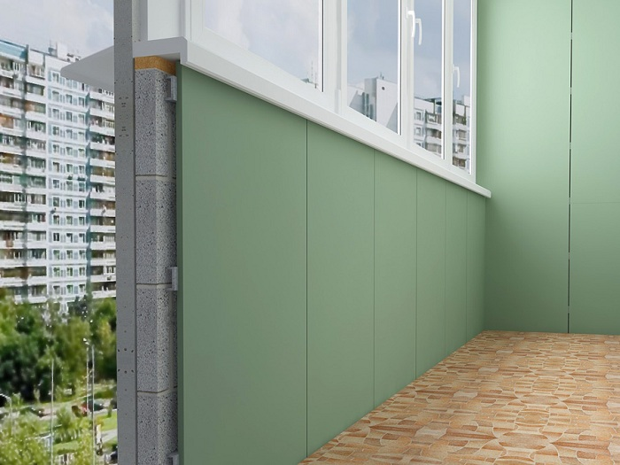 Чем отделать стены на балконе?