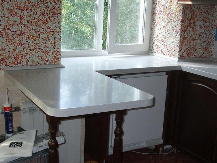 Столешница вместо подоконника на кухне фото вариантов
