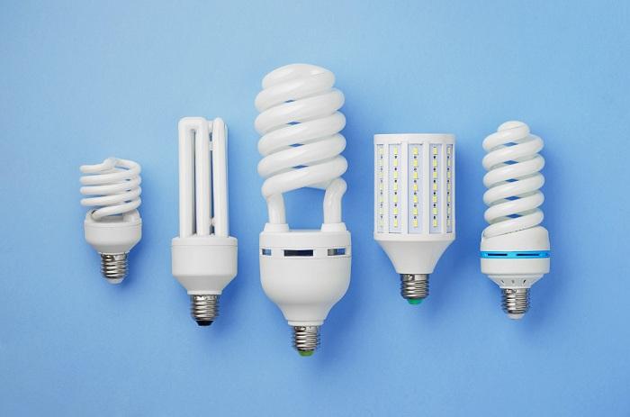 Что лучше: светодиодные лампы или энергосберегающие?