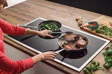Индукционные плиты: плюсы и минусы, принцип работы, рейтинг лучших варочных панелей