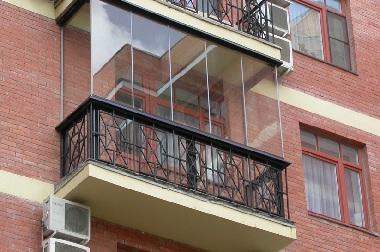 Безрамное остекление балкона и лоджий фото