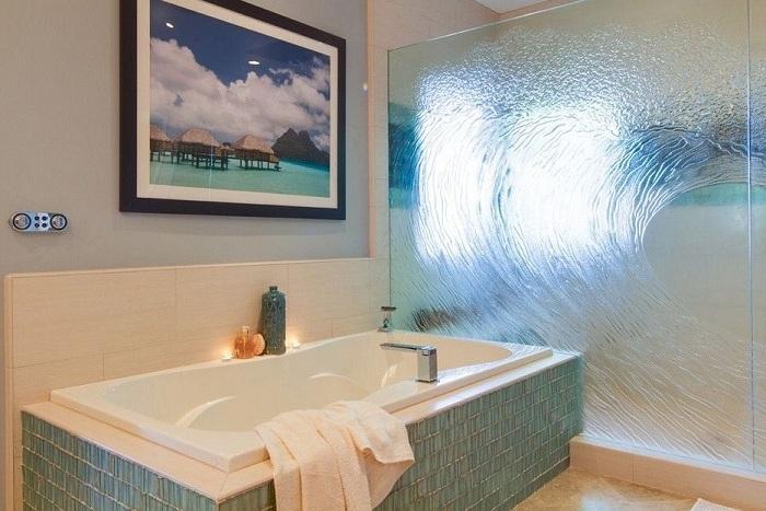 Стеклянная перегородка в ванной фото